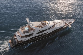 Motor Yacht CHECKMATE. -  From Above